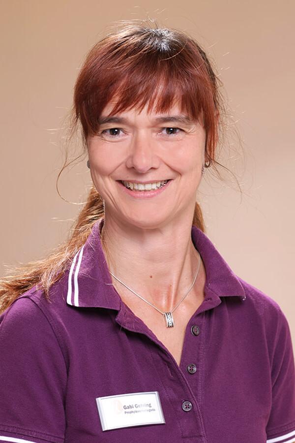 Zahnarzt Wurzen - Team - Portrait von Mitarbeiterin Gabi Gehring